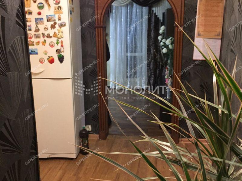 четырёхкомнатная квартира на улице Комсомольская дом 15 деревня Берёзовка