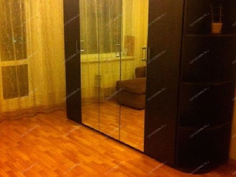 комната в доме 15 на Московском шоссе