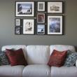 Как красиво развесить фоторамки на стене?